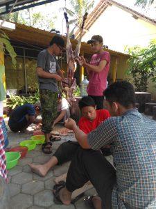 Proses Penyembelihan Kambing untuk dibuat sate oleh anak asuh PARS