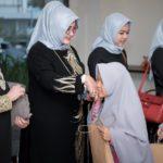 WWC membagikan bingkisan dan uang saku untuk anak asuh PARS di Grand Dafam Jogja