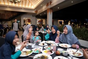 Menikmati berbagai menu di hotel Grand Dafam bersama WWC